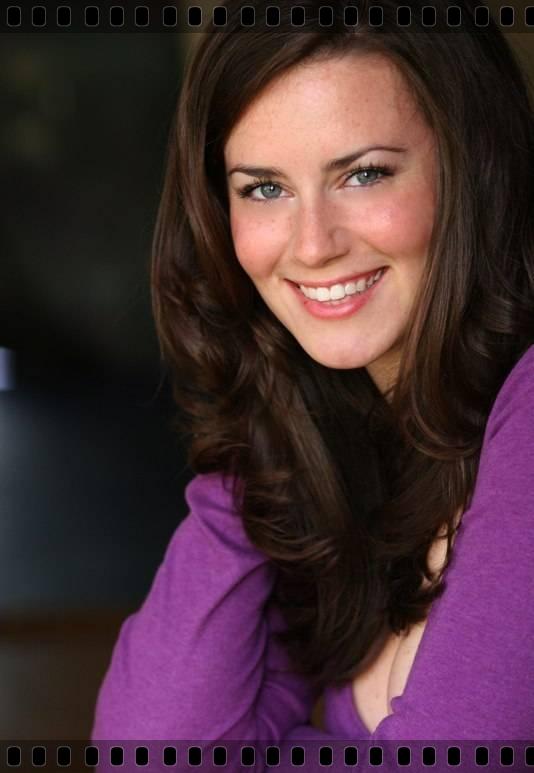 Кэти Фезерстон (Katie Featherston) в The River смотреть онлайн